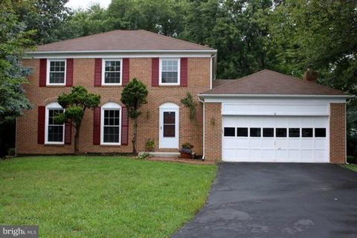 9 Beauvoir Ct, Rockville, MD 20855
