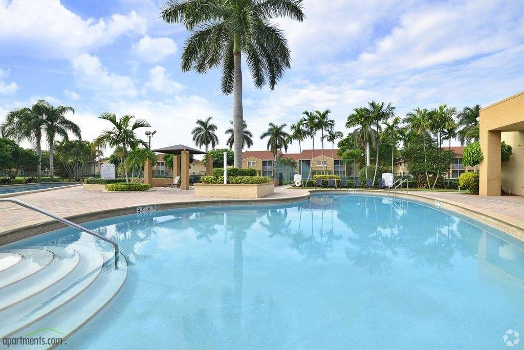4200 Community Dr, West Palm Beach, FL 33409