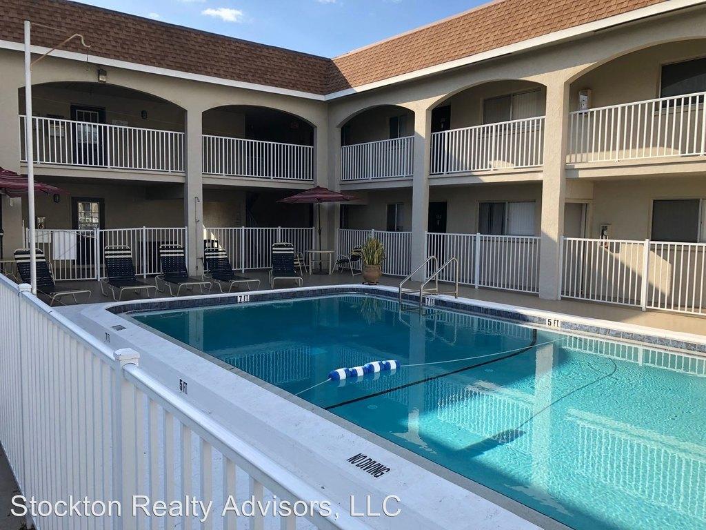 3701 Webber St, Sarasota, FL 34232