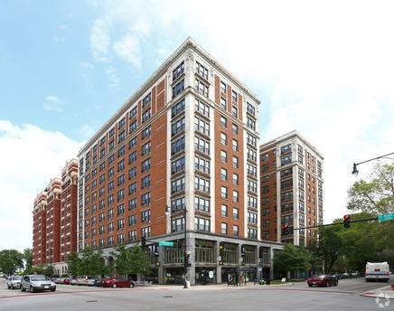 5307 S Hyde Park Blvd, Chicago, IL 60615