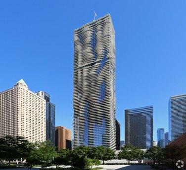 225 N Columbus Dr, Chicago, IL 60601
