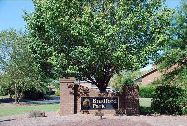 Bradford Park Apartments | 1804 Bradford Dr | Apartment for ...