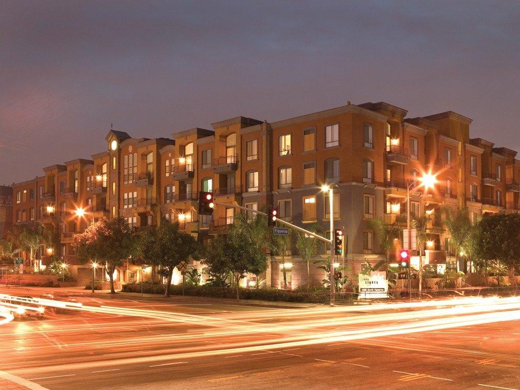 1300 S Figueroa St, Los Angeles, CA 90015
