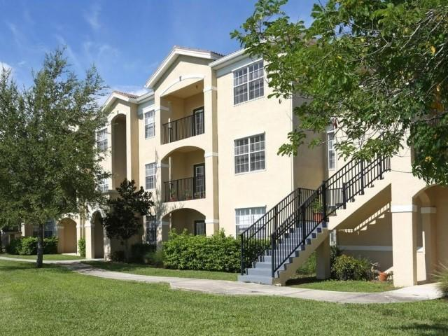 3247 Forum Blvd, Fort Myers, FL 33905