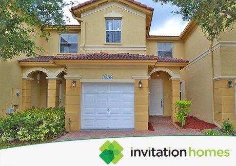 10890 NW 78th Ter, Miami, FL 33178