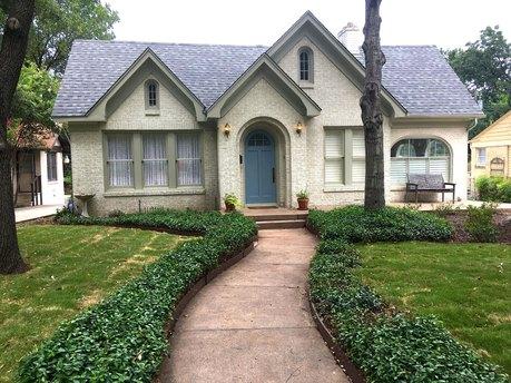 1058 N Winnetka Ave, Dallas, TX 75208