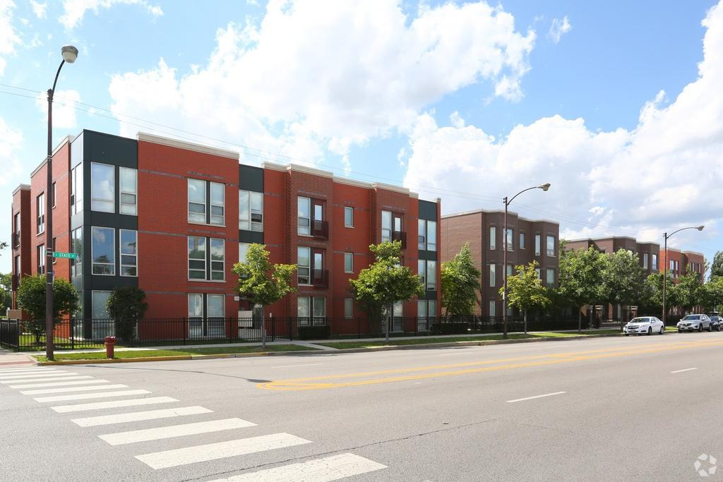 4448 S State St, Chicago, IL 60609