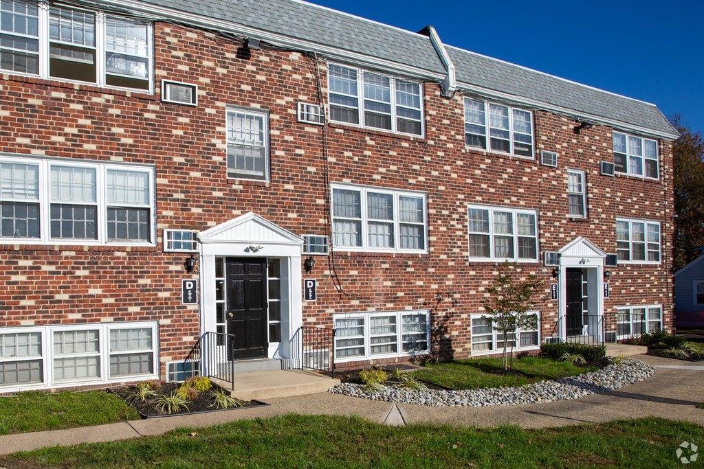327 E Browning Rd, Bellmawr, NJ 08031