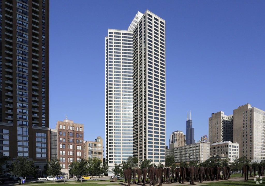 1130 S Michigan Ave, Chicago, IL 60605
