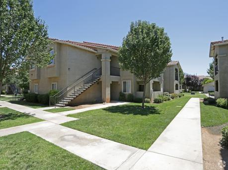 Pet-Friendly Apartments & Houses for Rent in Fresno, CA on