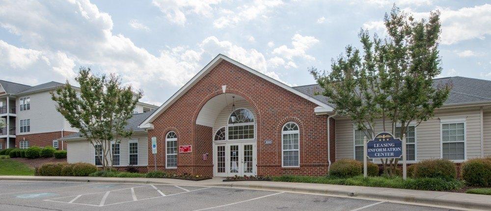 100 Patriots Pointe Dr, Hillsborough, NC 27278