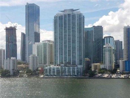 1331 Brickell Bay Dr Miami, FL 33131