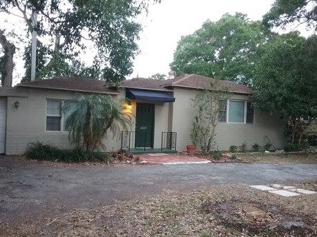 3609 E Sterling Cir, Tampa, FL 33629
