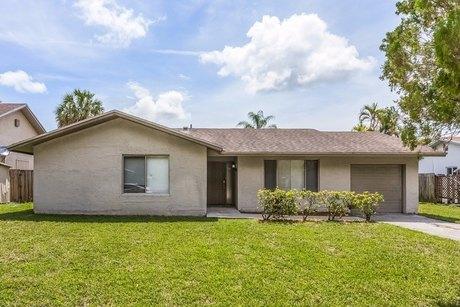 20625 NE 9th Ct, Miami, FL 33179