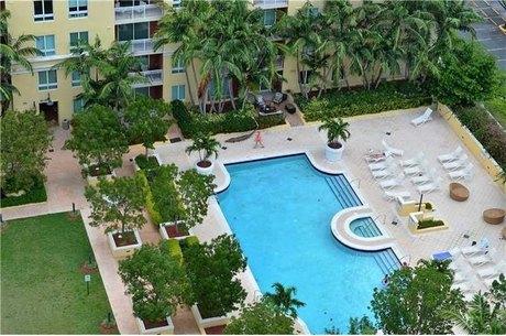 9066 Sw 73rd Ct Miami, FL 33156