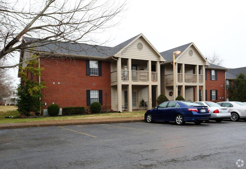 2913 Cox Mill Rd, Hopkinsville, KY 42240