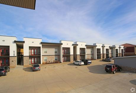 Airport Landings And The Docks Apartments 5413 N Main St Apartment For Rent Doorsteps