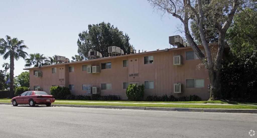 345-365 W 41st St, San Bernardino, CA 92407