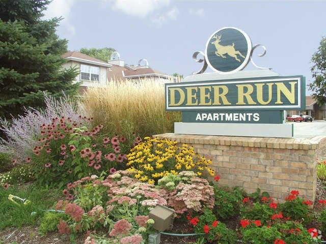 4401 W Deer Run Dr, Milwaukee, WI 53223