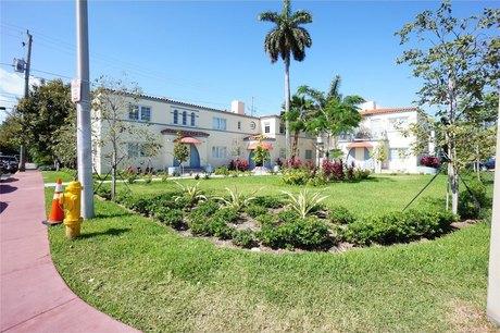 1450 Meridian Ave Miami Beach, FL 33139