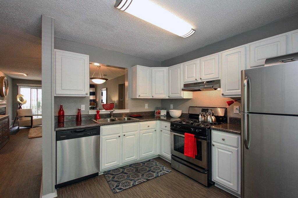 7889 Roswell Rd, Sandy Springs, GA 30350