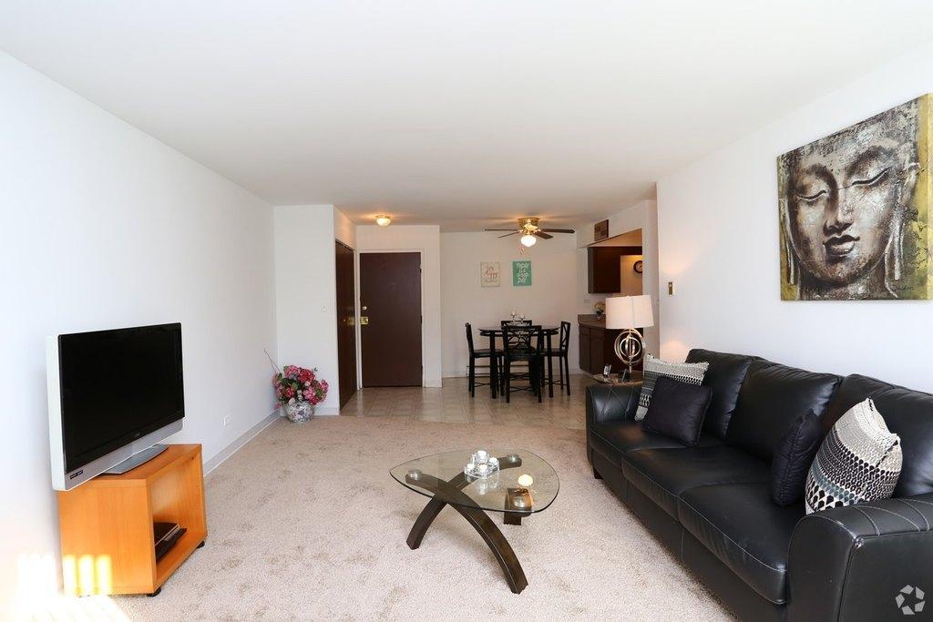 640 S York Rd, Bensenville, IL 60106