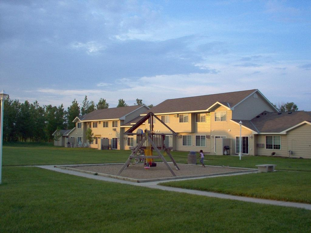 504 25th Ave NW, Austin, MN 55912