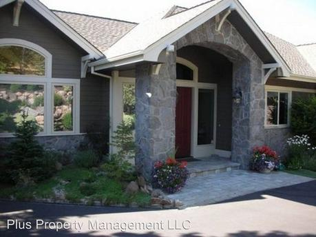 3225 NW Horizon Dr, Bend, OR 97703