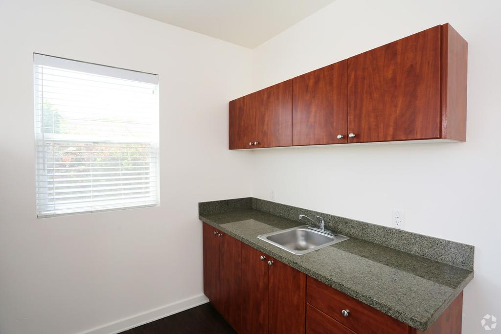 Hollywood Off Vine 6204 6216 La Mirada Ave Apartment For Rent Doorsteps