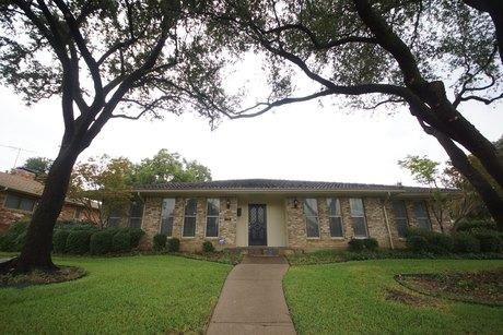 7765 La Cabeza Dr, Dallas, TX 75248