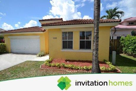 16242 SW 82nd St, Miami, FL 33193