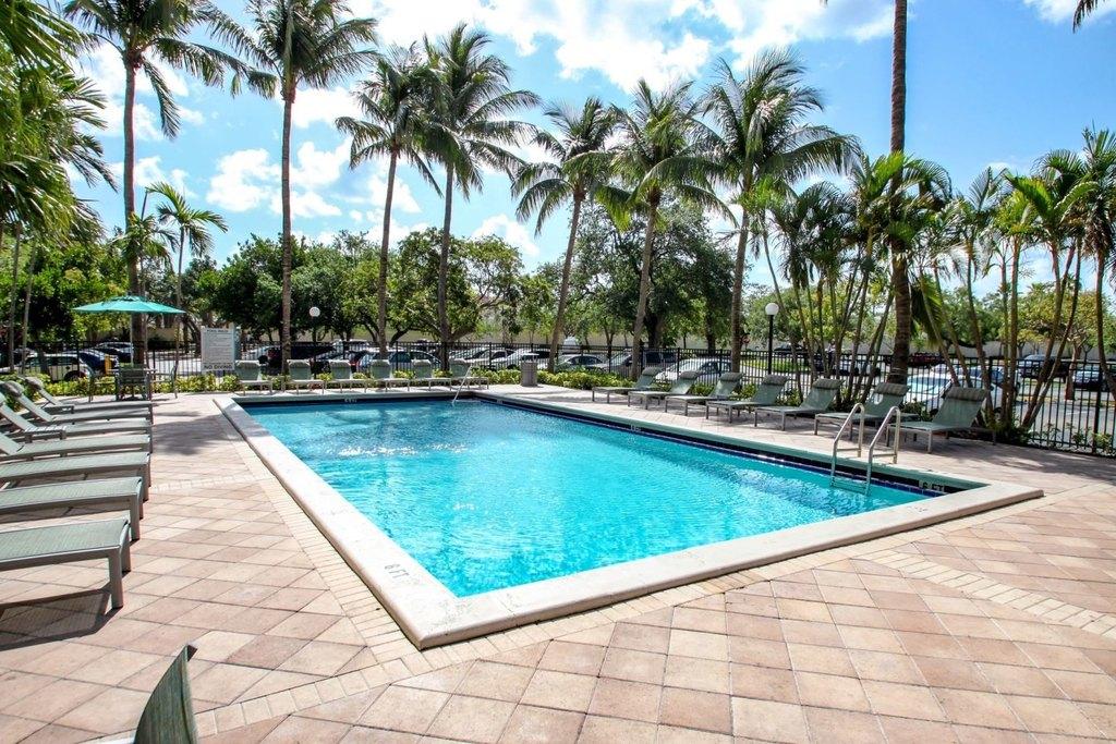 14000 Biscayne Blvd, North Miami Beach, FL 33181