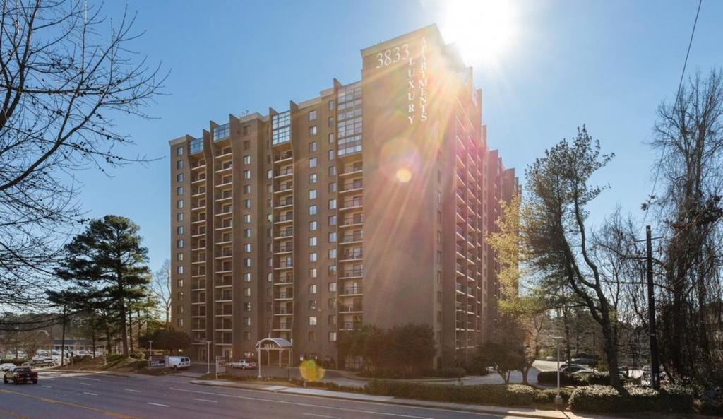 3833 Peachtree Rd NE, Atlanta, GA 30319