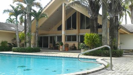 10595 SW 58th St, Miami, FL 33173