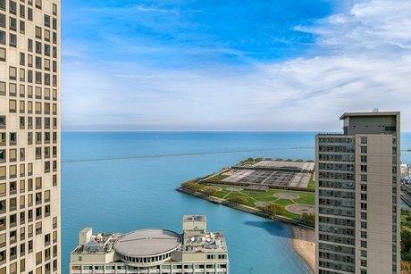 401 E Ontario St, Chicago, IL 60611
