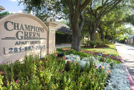 14141 Champions Dr, Houston, TX 77069