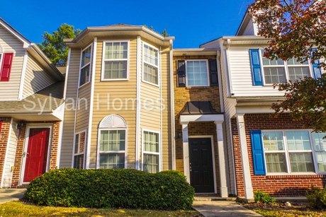 6368 Olmadison Pl, Atlanta, GA 30349