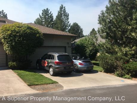 3031 NW Golf View Dr, Bend, OR 97703