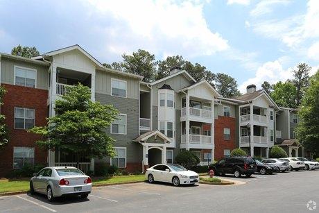 8600 Roberts Dr Atlanta, GA 30350