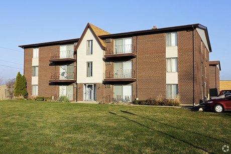 3048 W 119th St Merrionette Park, IL 60803
