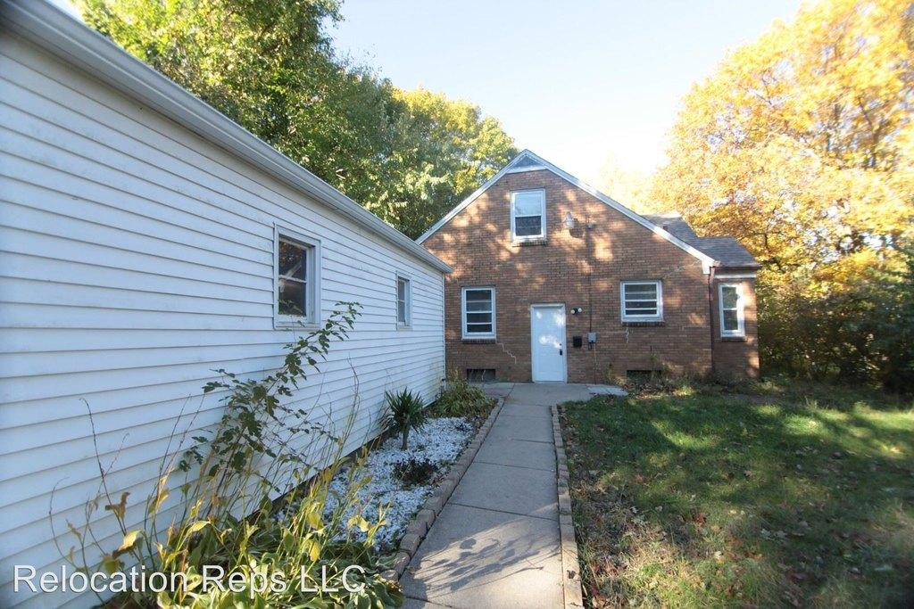 1818 18th St Single Family House For Rent Doorstepscom