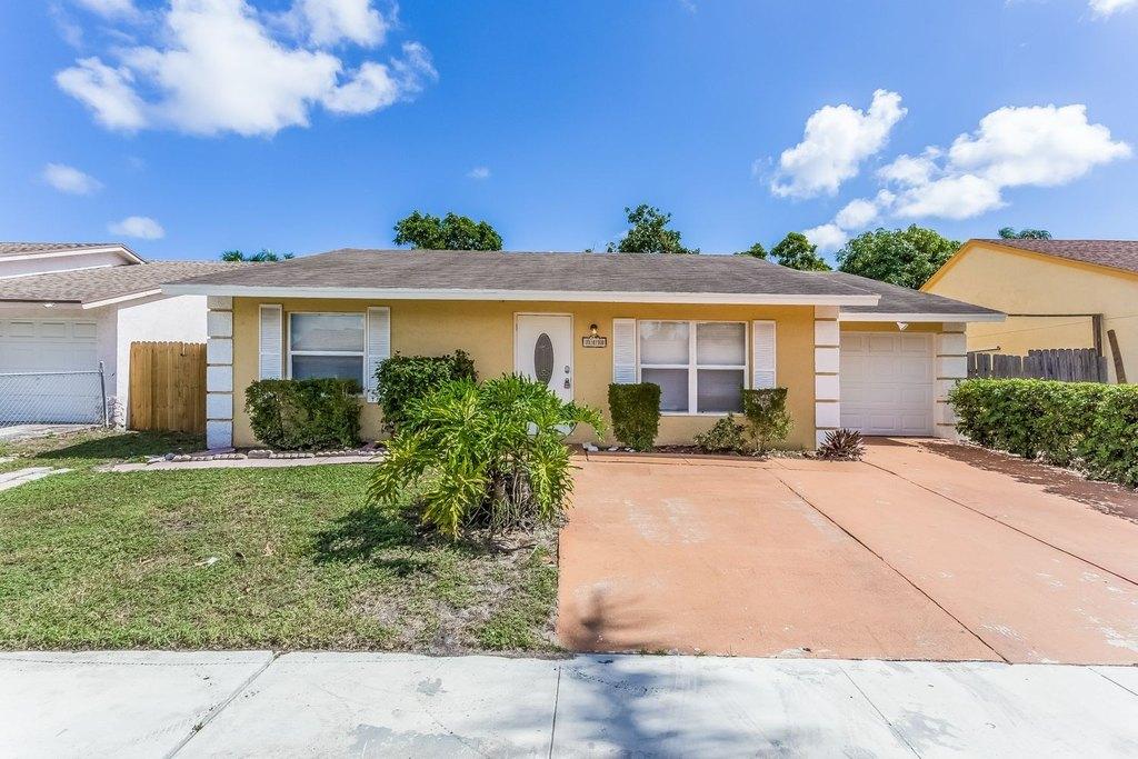 7370 Pinedale Dr, Boynton Beach, FL 33436