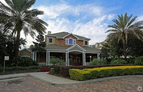 10420 N McKinley Dr, Tampa, FL 33612
