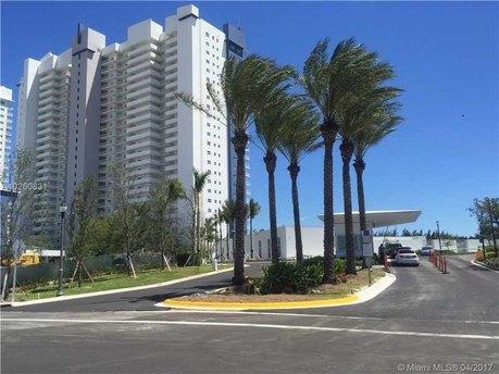 14951 Royal Oaks Ln Apt 1409, North Miami, FL 33181