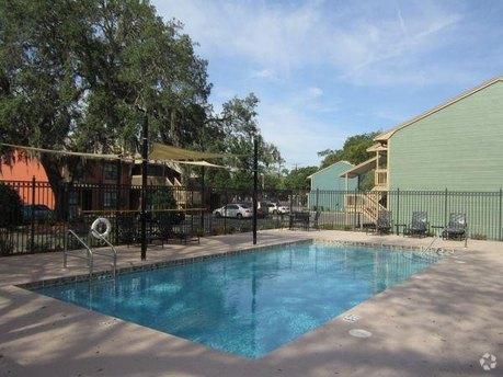 1550 University Woods Pl Tampa, FL 33612