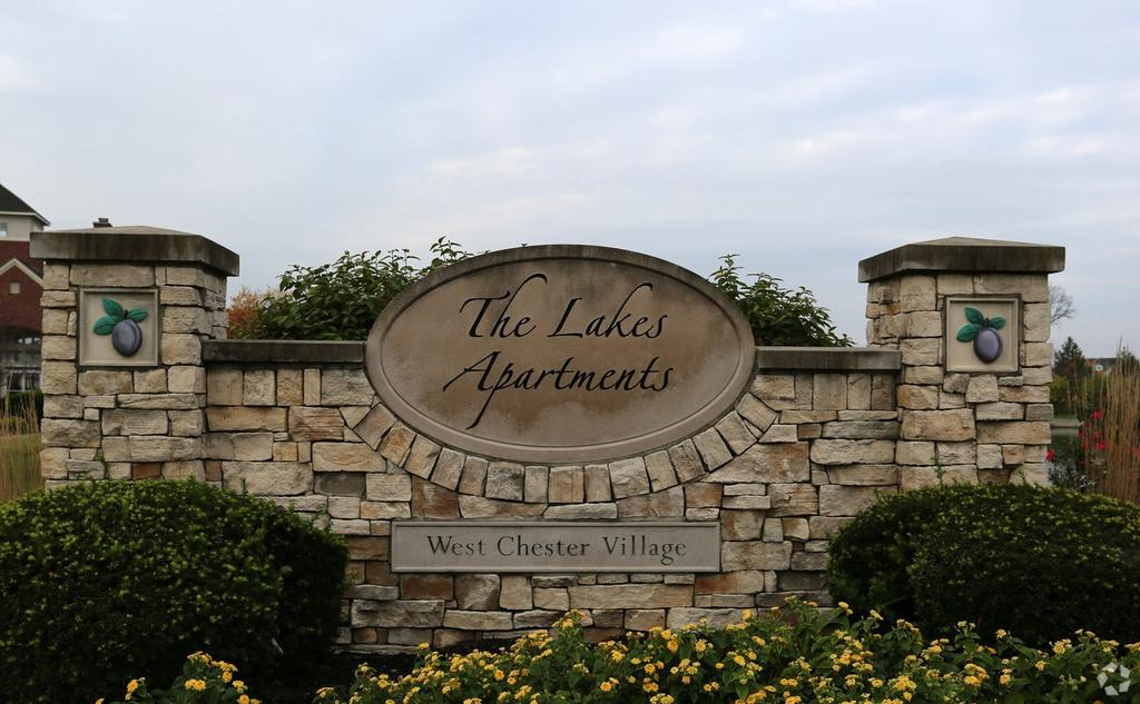 4700 Lakes Edge Dr, West Chester, OH 45069