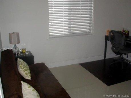 14550 SW 18th St, Miami, FL 33175