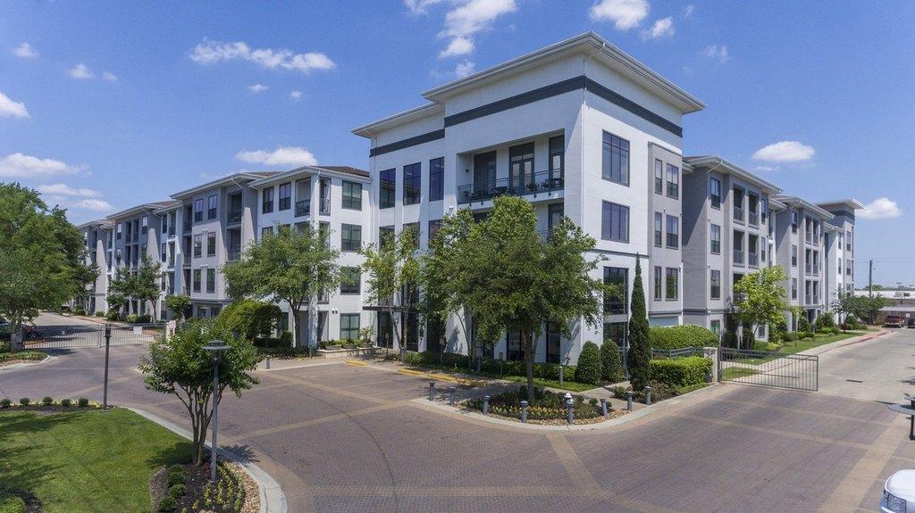 7600 Highmeadow Dr, Houston, TX 77063