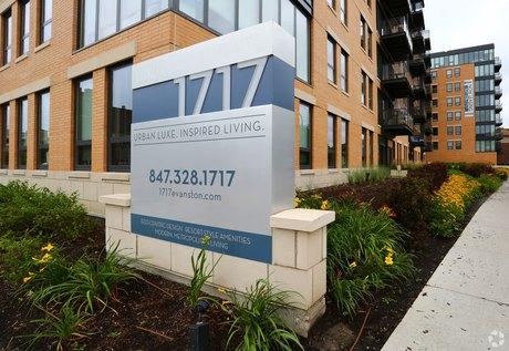 1717 Ridge Ave Evanston, IL 60201