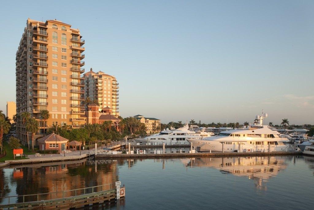1000-1030 Seminole Dr, Fort Lauderdale, FL 33304